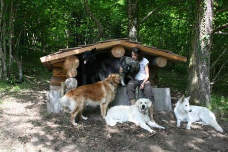 Eicko et Spike, les chiens de Cécile, ont participé à l'inauguration
