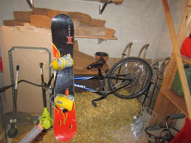 Un snowboard, un VTT... et un peu de bordel !