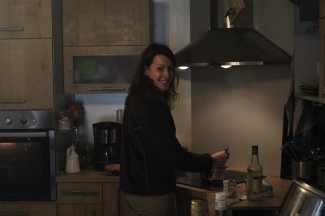 ... Laetitia prépare le repas !